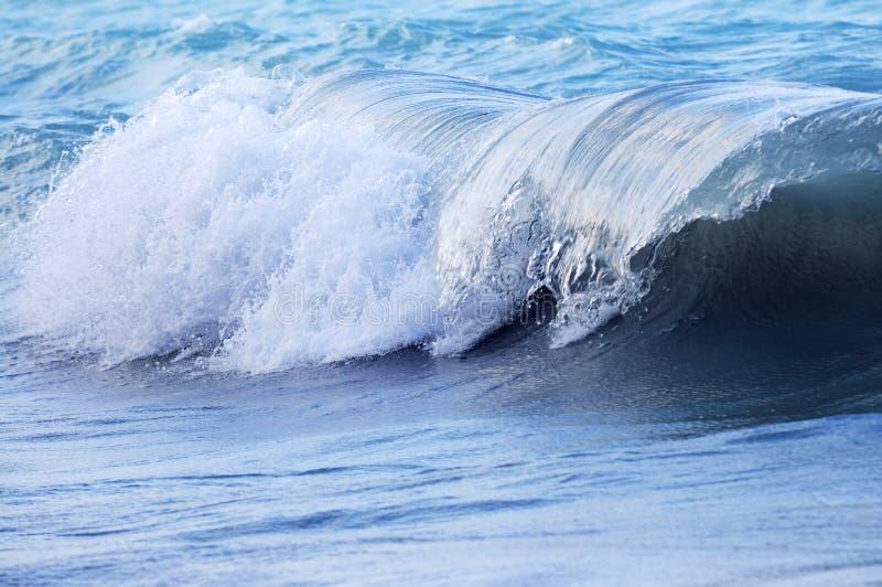Onda in oceano tempestoso immagini stock libere da diritti