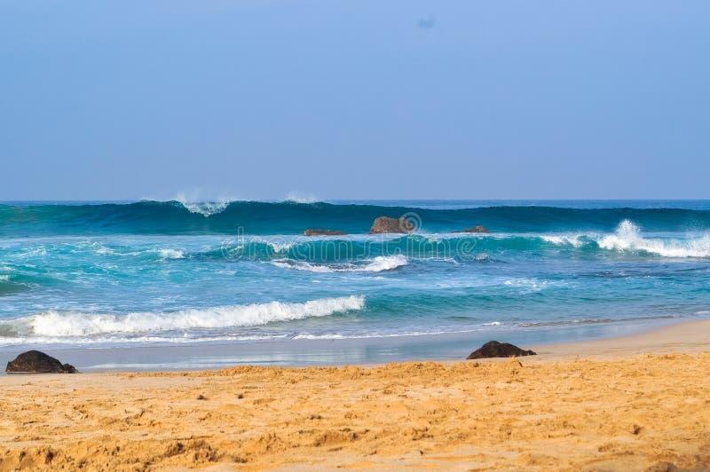 Ondas bonitas na praia 04 fotografia de stock