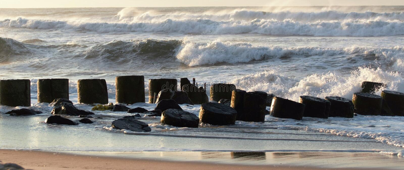 Ondas chrashing en un hermine del huracán del fromm del embarcadero imágenes de archivo libres de regalías