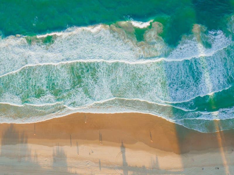 Ondas de la playa fotos de archivo libres de regalías