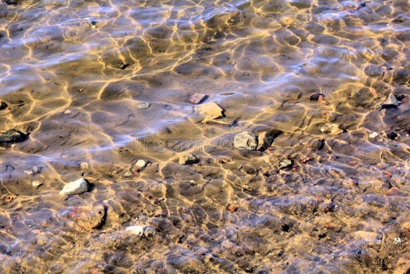 Ondas ensolarados do rio foto de stock royalty free