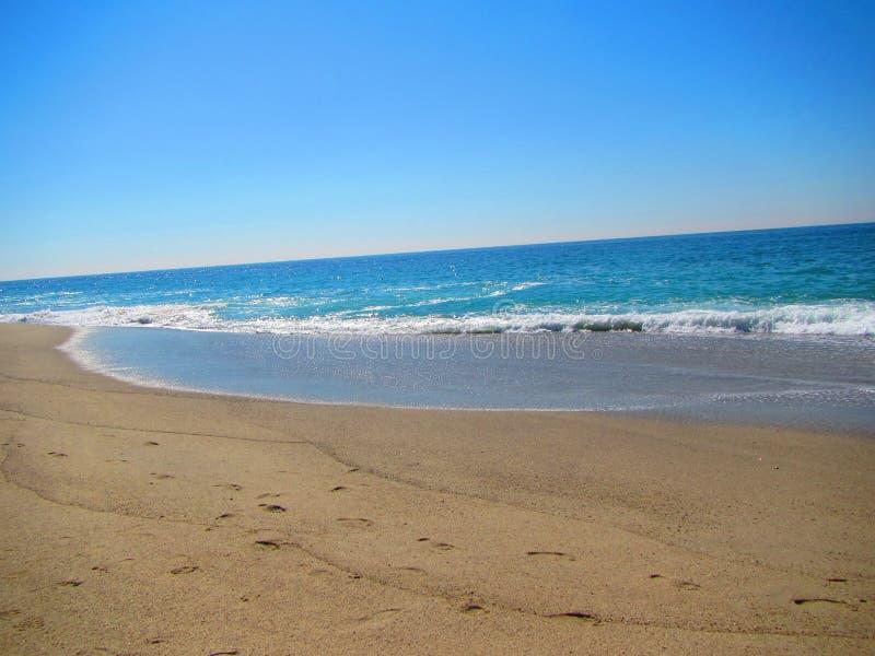 Ondas lavadas em terra, praia de aliso, ponto de dana, Califórnia fotografia de stock royalty free
