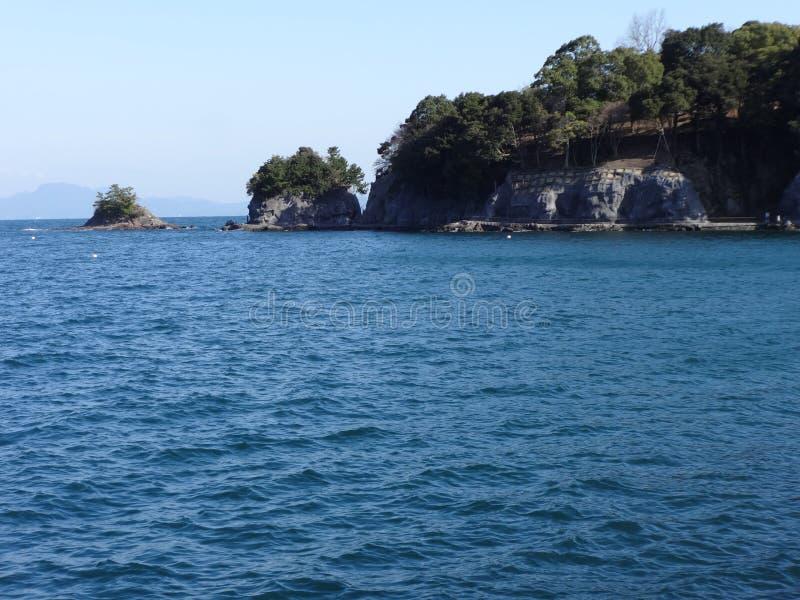 Ondas no mar de Yatushiro imagem de stock royalty free