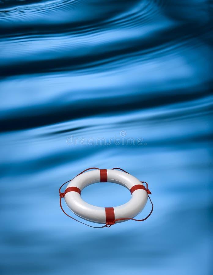 Onde ed anello di Lifebuoy fotografie stock libere da diritti