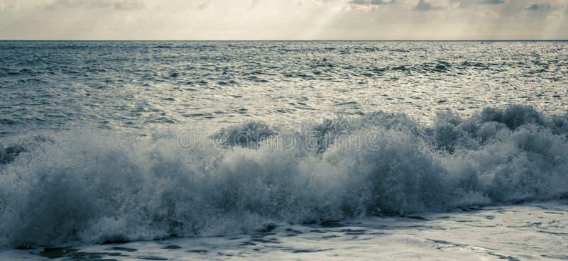 Onde sul Mar Nero fotografia stock libera da diritti