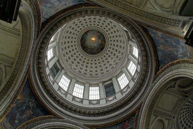 Onder de koepel van het Pantheon stock foto