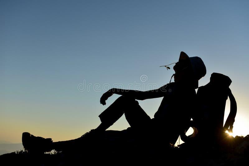 Onderbreking en rust voor bergbeklimmer royalty-vrije stock afbeeldingen