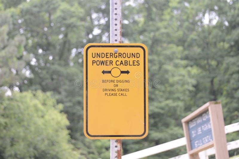 Ondergronds de Veiligheidsgevaar van Machtskabels stock afbeeldingen