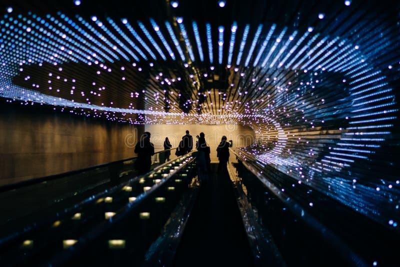 Ondergronds rollend trottoir bij het National Gallery van Kunst, in Wa stock afbeelding