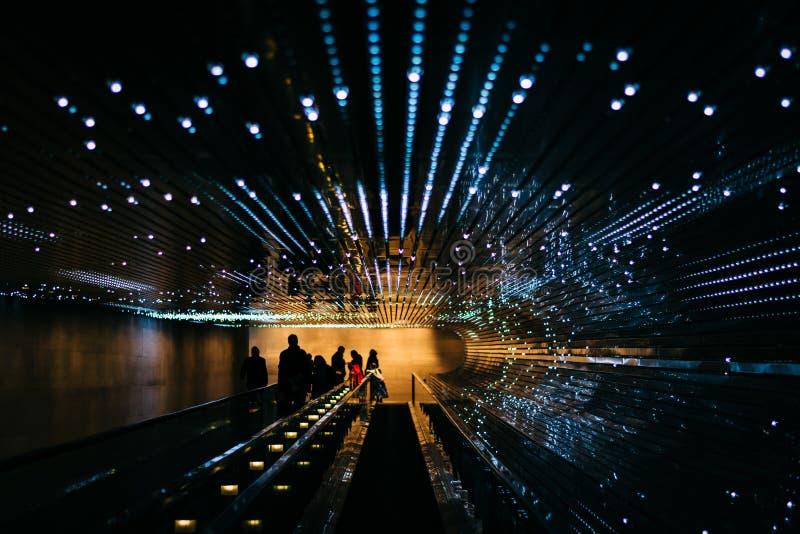 Ondergronds rollend trottoir bij het National Gallery van Kunst, in Wa stock fotografie