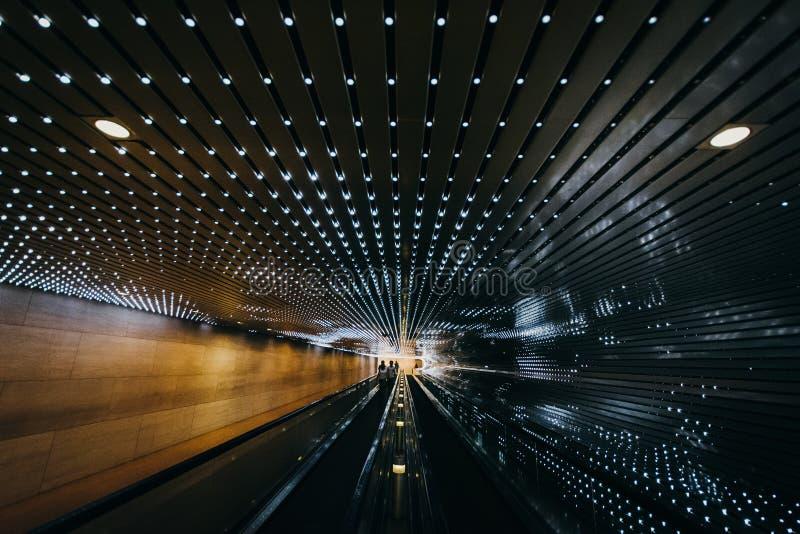 Ondergronds rollend trottoir bij het National Gallery van Kunst, in Wa stock foto