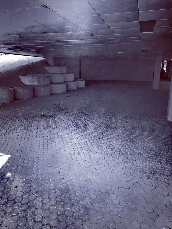 Ondergrondse auto parc stock afbeelding