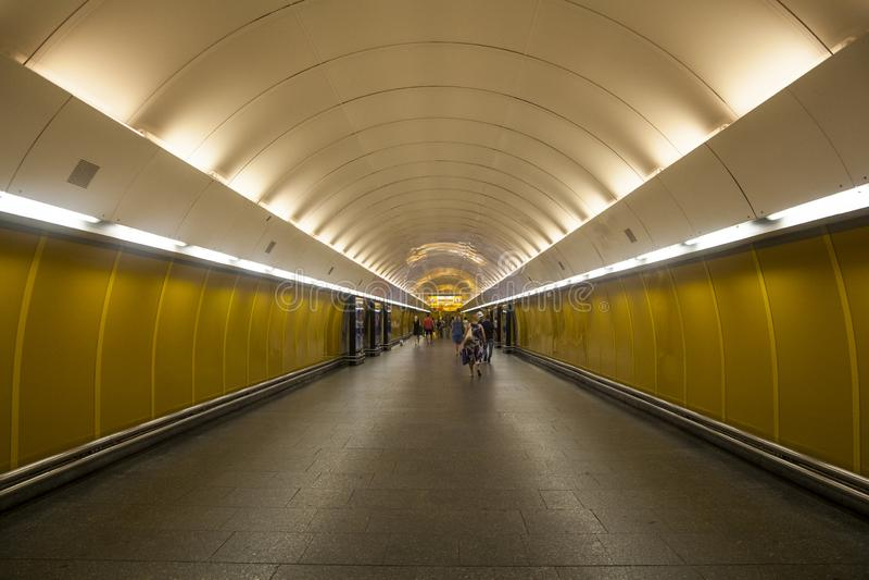 Ondergrondse post in Praag stock afbeelding