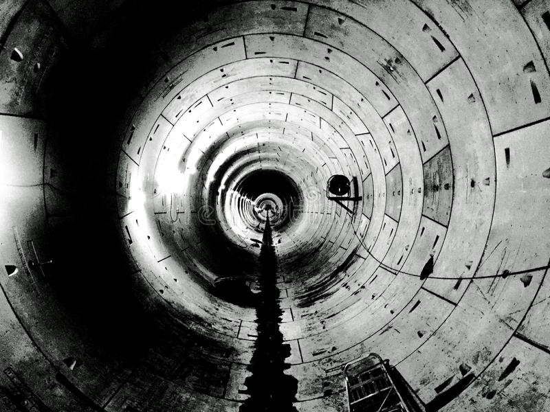 Ondergrondse Schildtunnel in Zwart-wit Singapore stock afbeeldingen