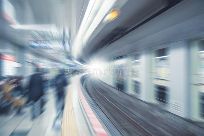 Ondergrondse Station van de onduidelijk beeld het bewegende Metro stock fotografie