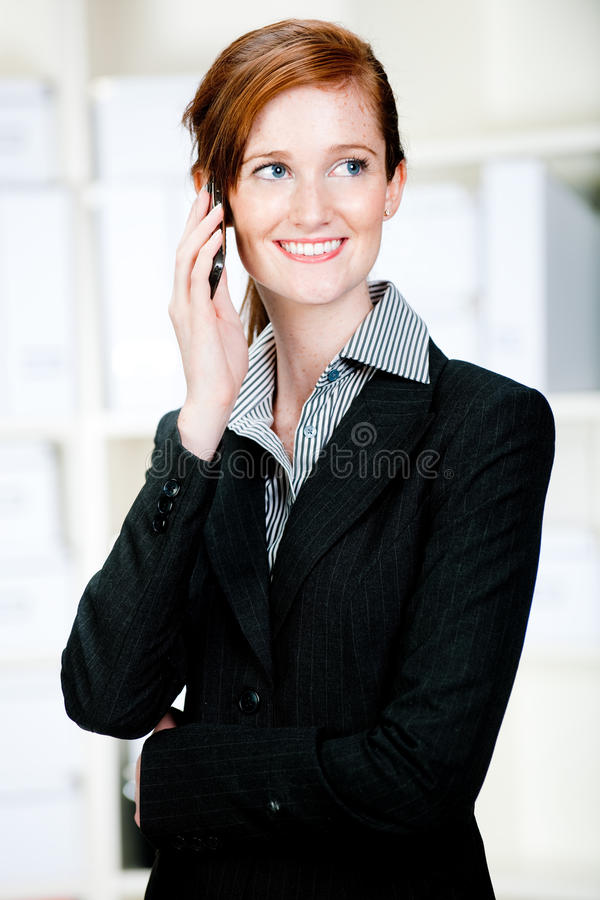 Onderneemster met Telefoon royalty-vrije stock fotografie