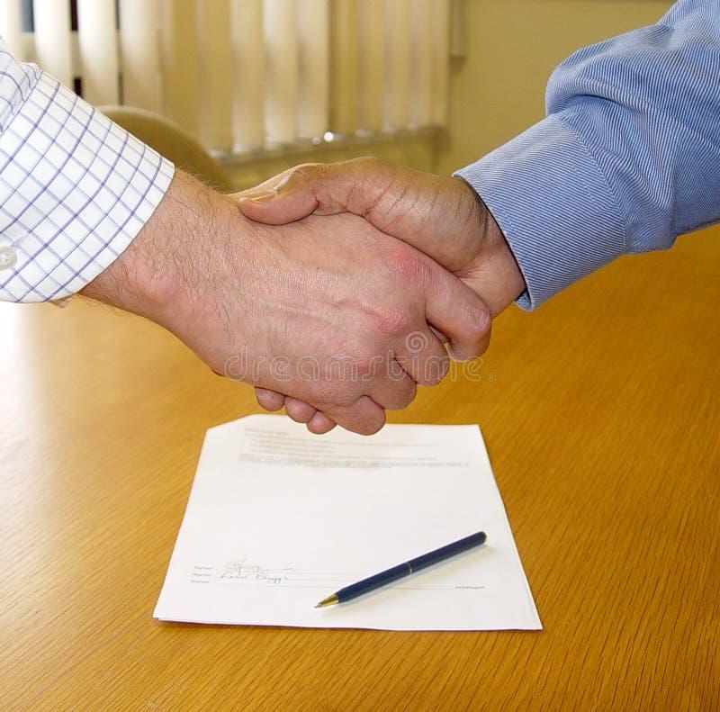 Ondertekend contract royalty-vrije stock afbeelding