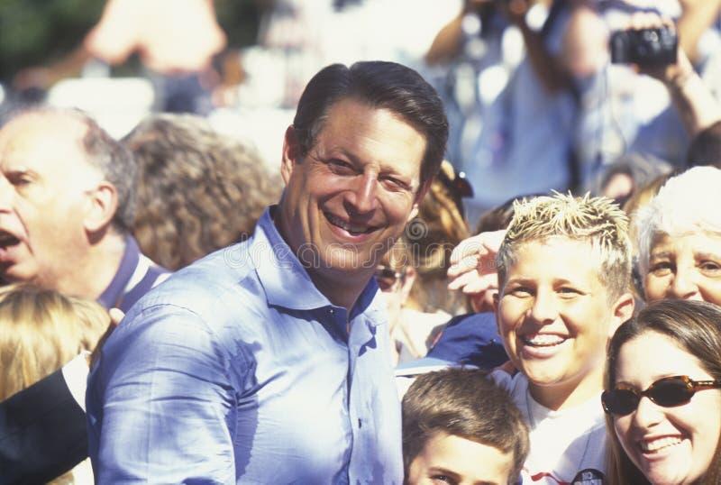 Ondervoorzitter Al Gore campagnes voor de Democratische presidentiële benoeming bij Lakewood-Park in Sunnyvale, Californië stock foto's