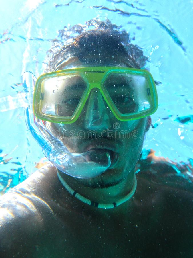Onderwaterscuba-duiker die zelfportret maken of selfie royalty-vrije stock foto's