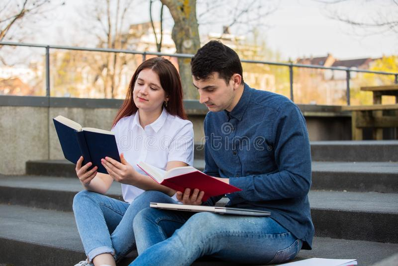 Onderwijs en het werk concept stock afbeelding