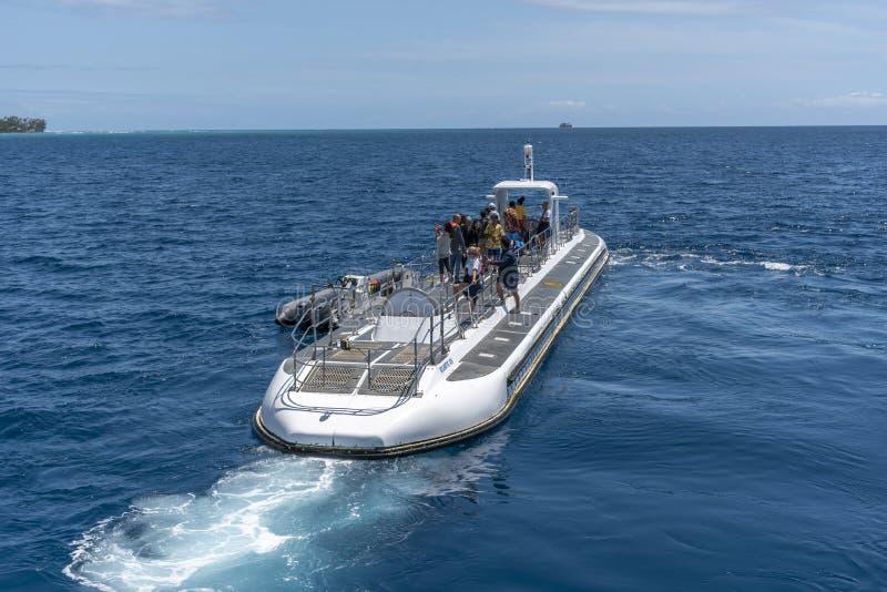 Onderzee?r door Atlantis Waikiki Onderzees Avontuur in werking dat wordt gesteld dat stock fotografie