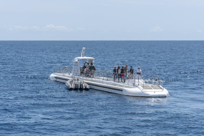 Onderzee?r door Atlantis Waikiki Onderzees Avontuur in werking dat wordt gesteld dat royalty-vrije stock foto