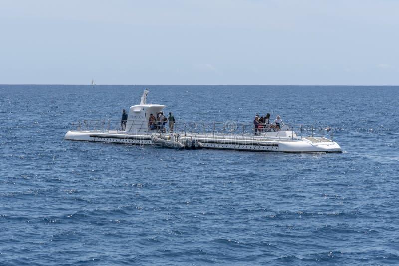 Onderzee?r door Atlantis Waikiki Onderzees Avontuur in werking dat wordt gesteld dat stock foto