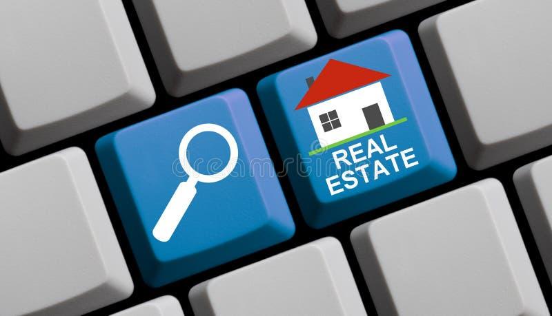 Onderzoek Real Estate online - Computertoetsenbord royalty-vrije stock foto
