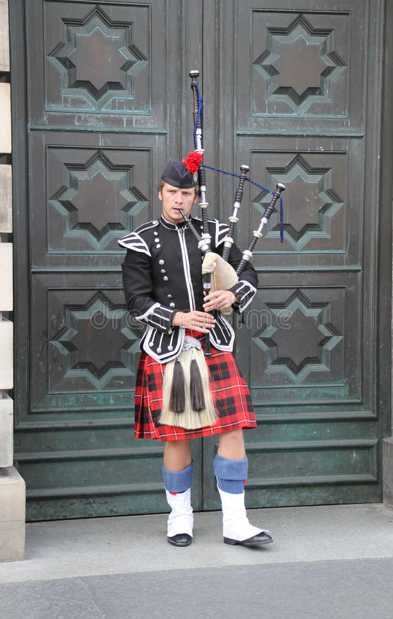 Download One bagpieper editorial photo. Image of clan, town, kilt - 26631036