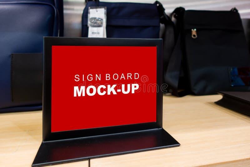 Onechte omhoog horizontale tekenraad op plankenruimte van zak royalty-vrije stock foto