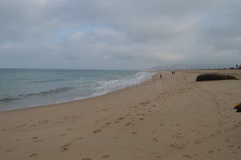 Oneindig Strand met Vissers op het Strand in Atlanterra in Zahara Aard, Architectuur, Geschiedenis, Straatfotografie 12 juli, royalty-vrije stock afbeelding