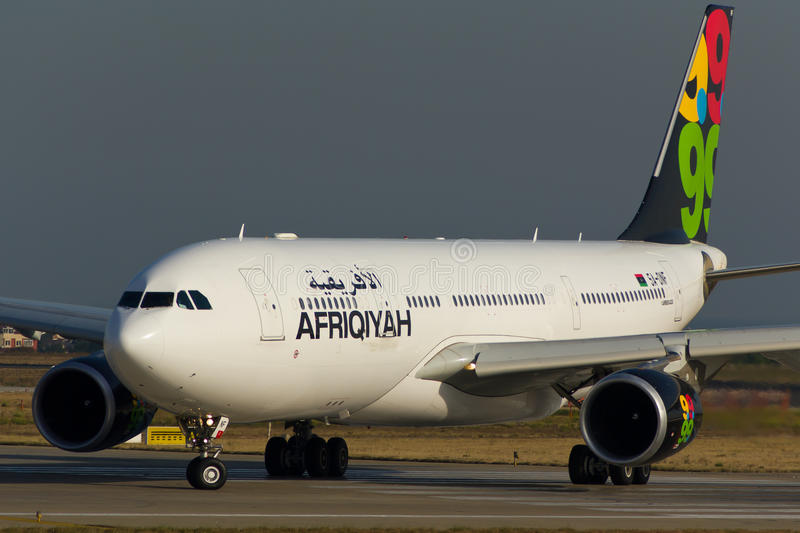 5a-ONF Afriqiyah Airways-Luchtbus A330-202 stock afbeelding