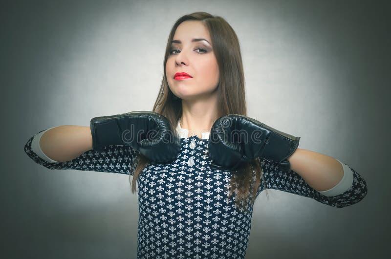 Onfident en trotse vrouw Ð ¡ Vrouwelijke rivaliteit Bazig meisje royalty-vrije stock foto