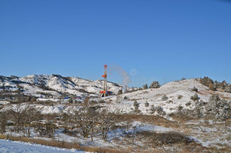 Onflict van olieproductie en het milieu royalty-vrije stock afbeelding