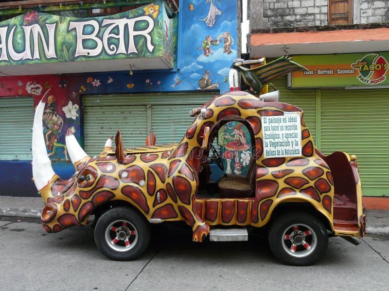 Ongebruikelijke auto voor het reizen stock fotografie