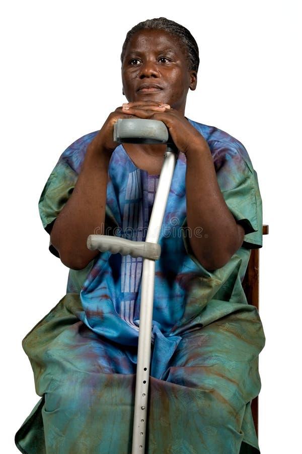 Ongeldige oude Afrikaanse vrouw royalty-vrije stock fotografie