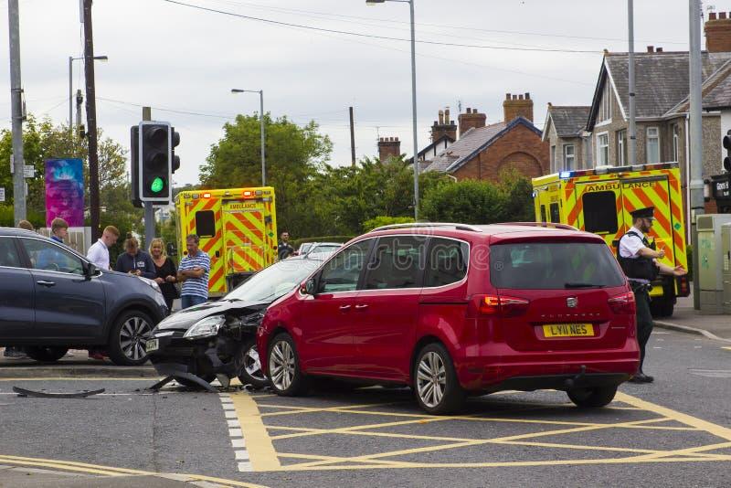 12 ongeval van het het voertuigverkeer van Juli 2018 het Multi in Ballyholme in de Provincie van Bangor neer stock afbeelding