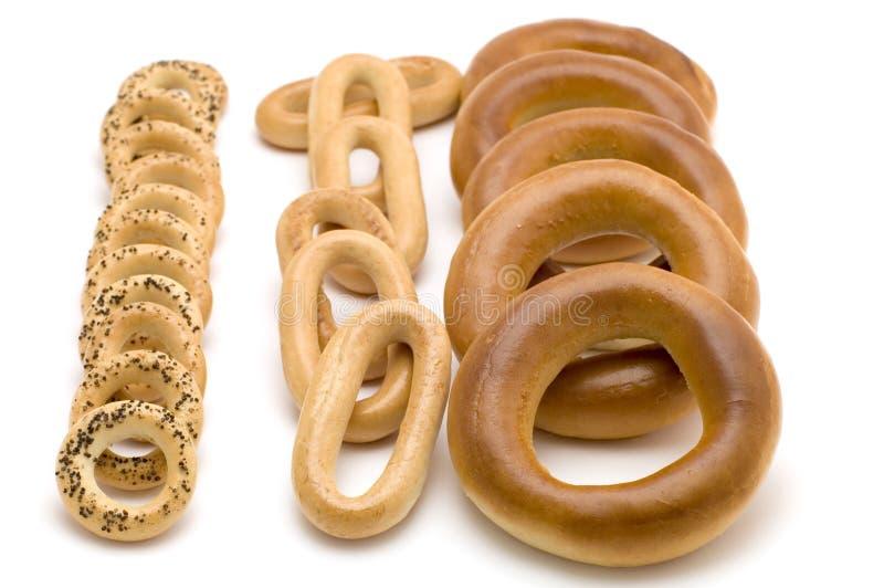Ongezuurde broodjes op wit royalty-vrije stock afbeelding