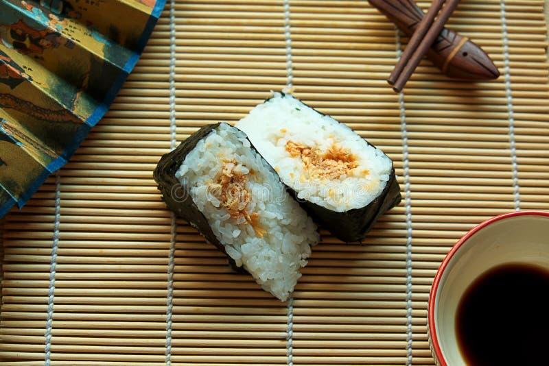 Onigiri Japans traditioneel voedsel stock afbeeldingen