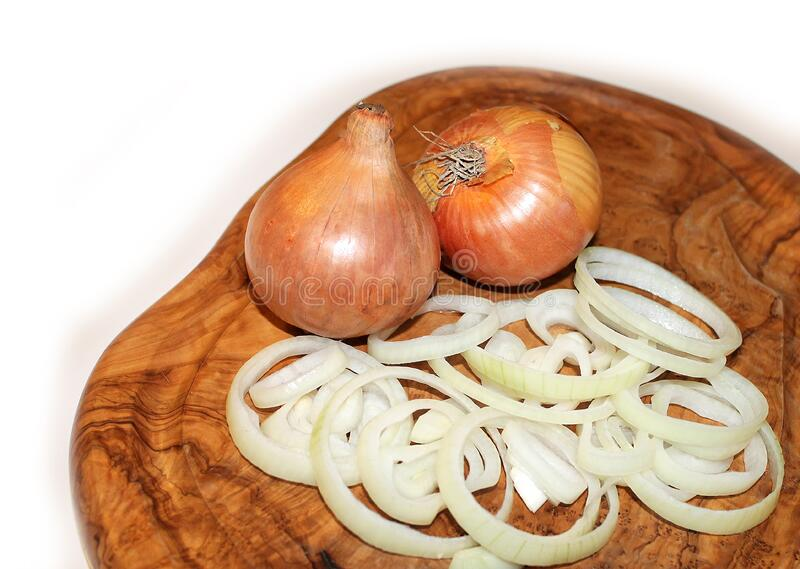 Onions On Cutting Board Free Public Domain Cc0 Image