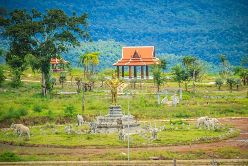 Onlangs de het hotelbouw van de casinotoevlucht in Chong Arn Ma, grensovergang Thais-Kambodja (genoemd Ses in Kambodja) tegengest stock afbeeldingen