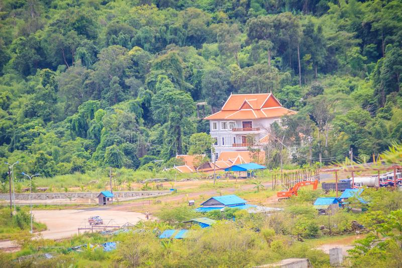 Onlangs de het hotelbouw van de casinotoevlucht in Chong Arn Ma, grensovergang Thais-Kambodja (genoemd Ses in Kambodja) tegengest stock foto's
