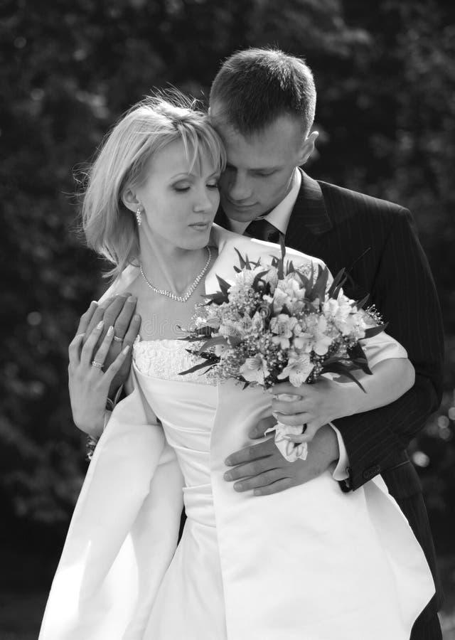 Onlangs gehuwd paar royalty-vrije stock foto's