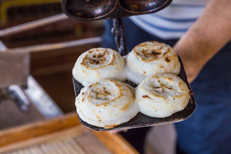 Onlangs gekookte traditionele umegaemochi in het heiligdom van dazaifutemmangu royalty-vrije stock afbeeldingen