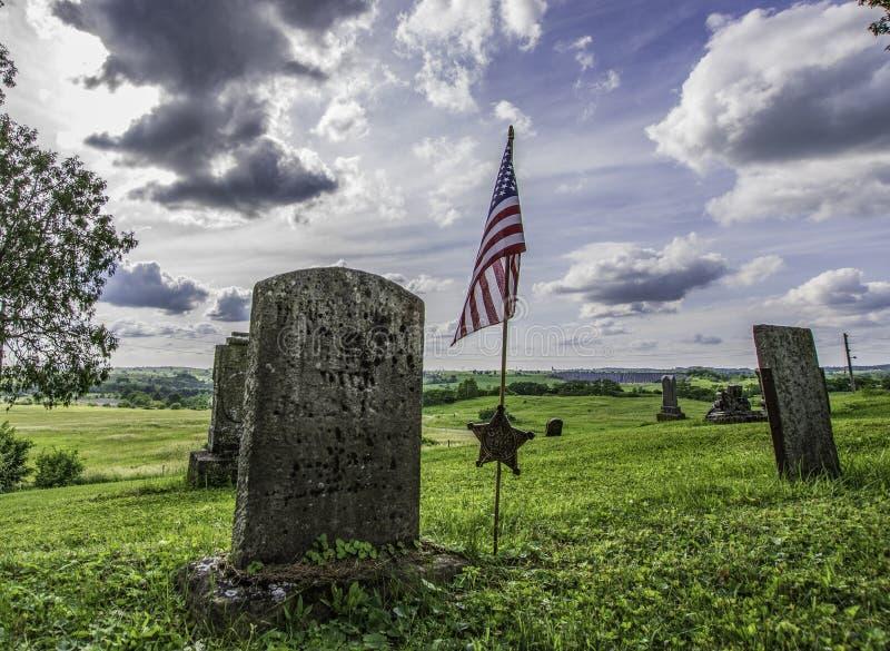 Onleesbare Unie veteraan ernstige steen bij Dickerson-Kerkbegraafplaats stock afbeelding