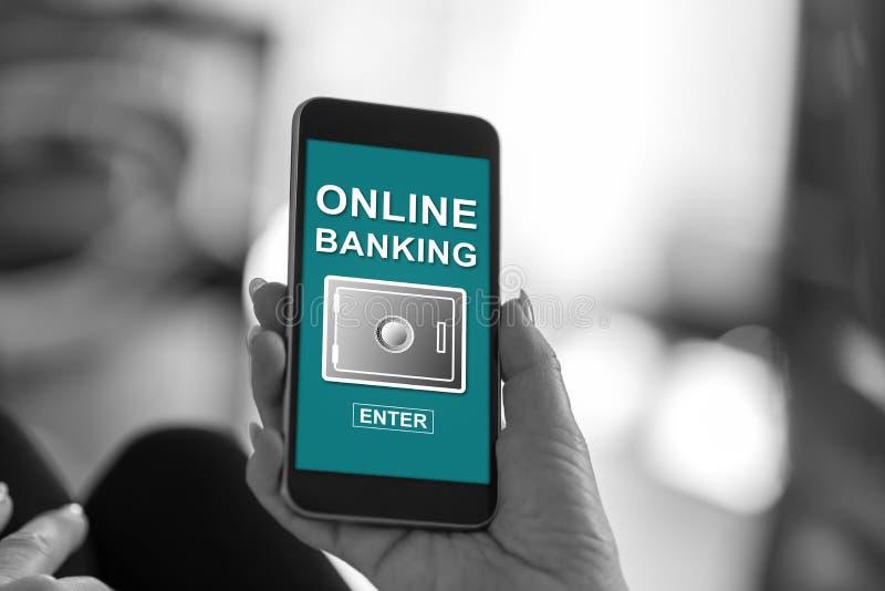 Online-Bankings-Konzept auf einem Smartphone lizenzfreie stockfotografie