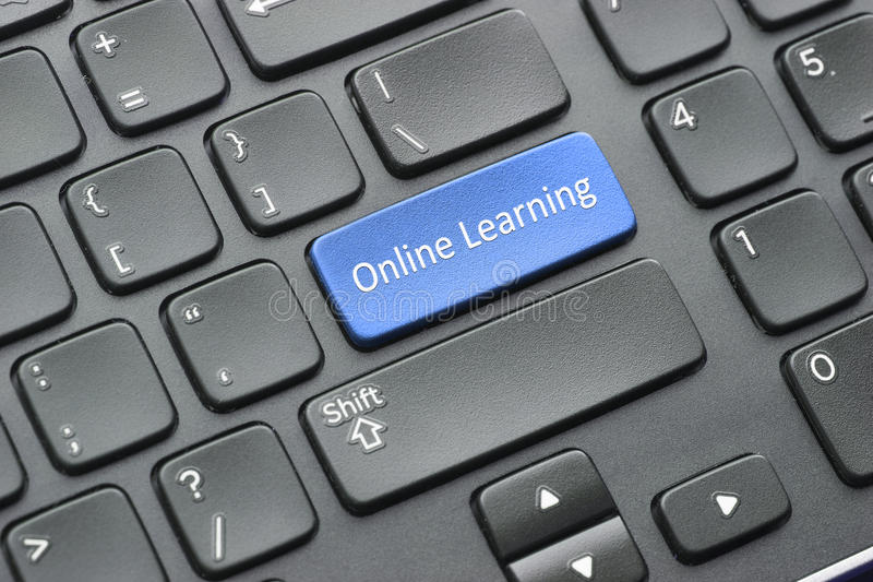 Online het leren sleutel op toetsenbord stock afbeelding