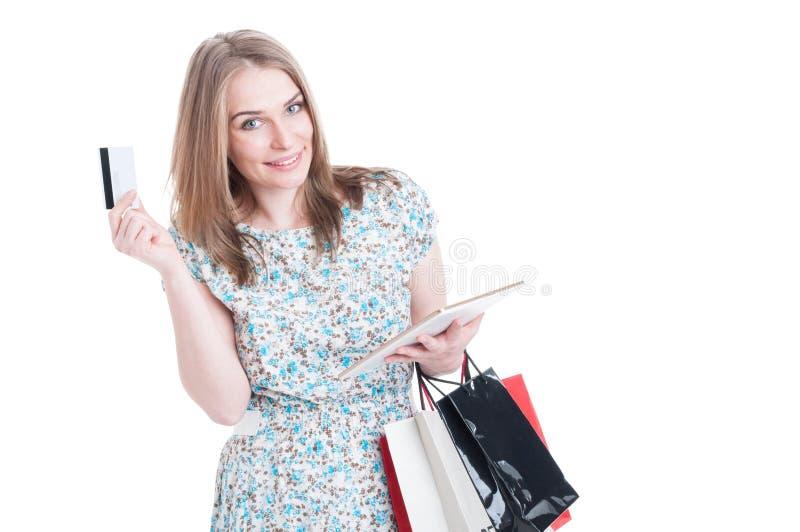 Online het winkelen betalingsconcept met jonge klant stock afbeeldingen