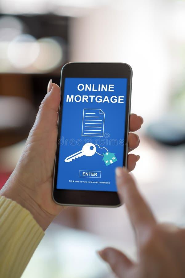 Online hypotheekconcept op een smartphone royalty-vrije stock fotografie