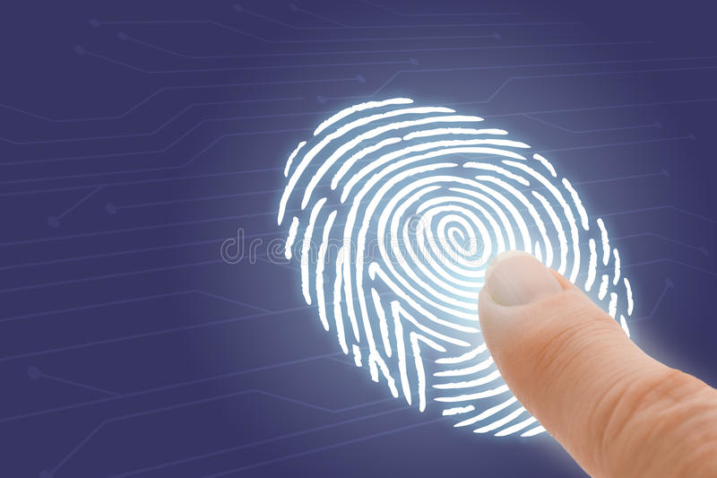 Online-ID och säkerhet med fingret som pekar på fingeravtrycket royaltyfri bild